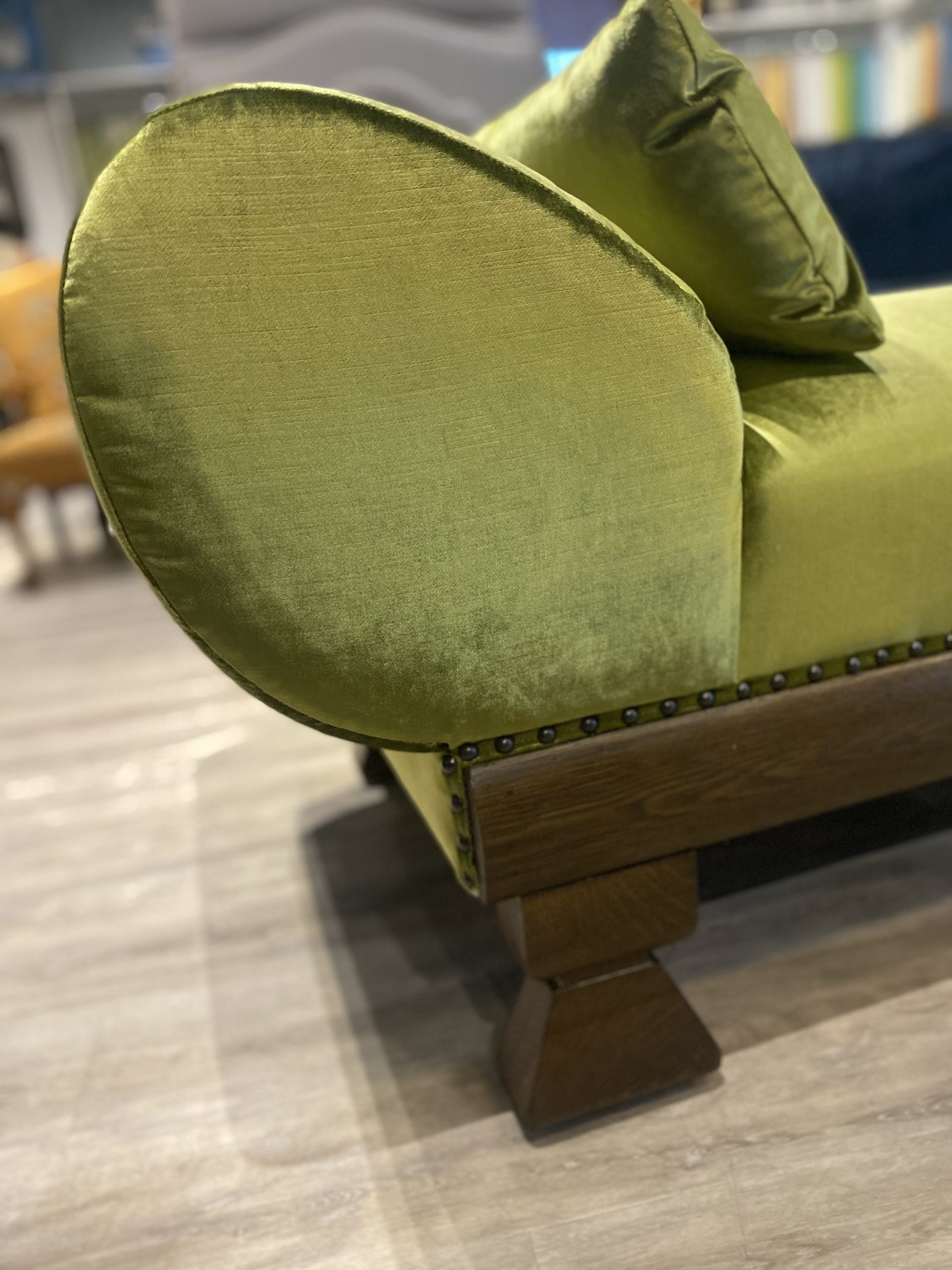 The green chaise auction