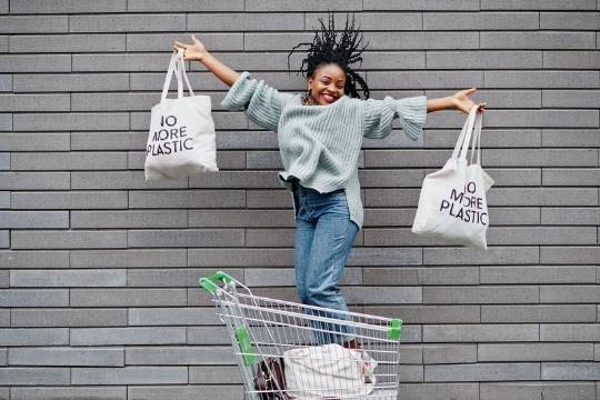 Lady with no more plastic bags